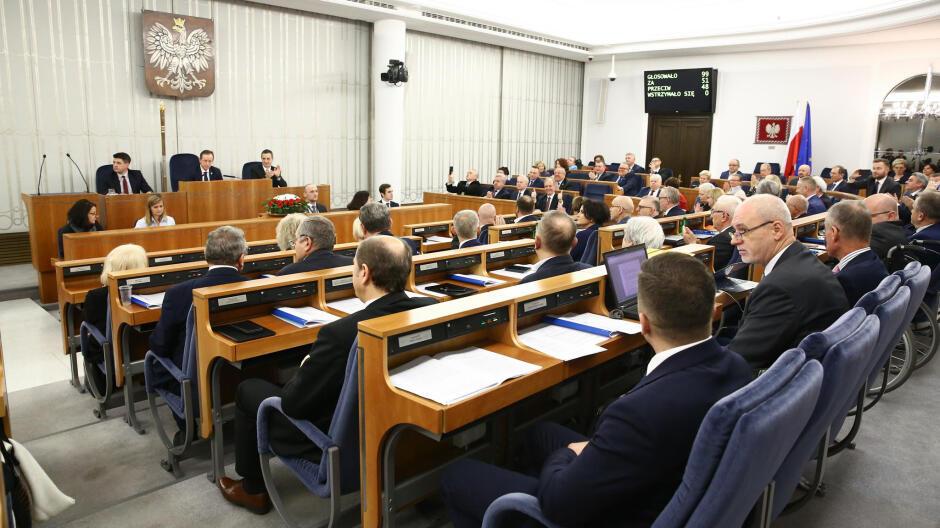 PiS chce odebrać Senatowi 100 milionów złotych. Poprawka do budżetu