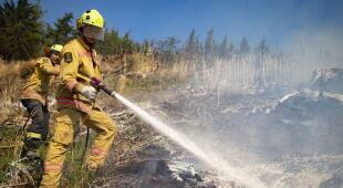 Trudna akcja gaśnicza w Nowej Zelandii (PAP/EPA/New Zealand Defence Force HANDOUT)